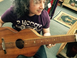 Roberto Diana with an Original Hermann Weissenborn at Folk Music Center - Claremont (CA)